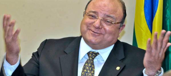 Líder do Governo na Câmara, Cândido Vaccareza, concede entrevista coletiva