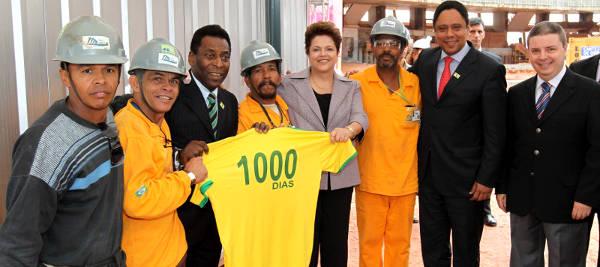 Presidenta Dilma Rousseff, Pelé, o Ministro Orlando Silva e o Governador Mineiro Anastasia em comemoração no Mineirão
