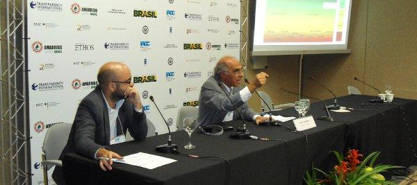 Felipe Saboya (à esquerda) e Paulo Itacarambi durante apresentação dos Indicadores de Transparência Municipal para a imprensa