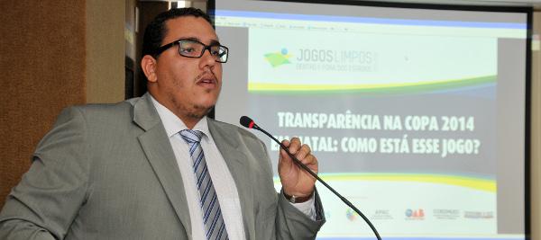 Rafael dos Santos, coordenador do projeto Jogos Limpos, apresenta o resultado dos indicadores de Natal e RN. Foto: Elpídio Júnior/Instituto Ethos
