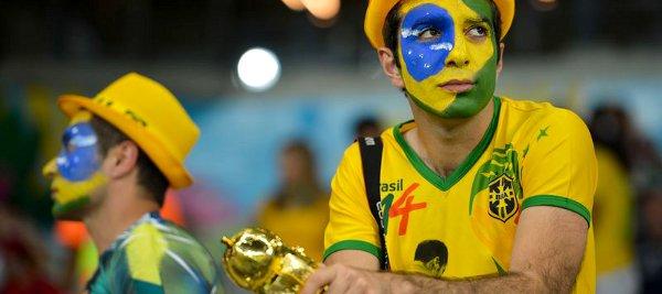 Torcedores brasileiros após o jogo contra a Alemanha (8/7). Foto : Marcello Casal Jr/Agência Brasil.