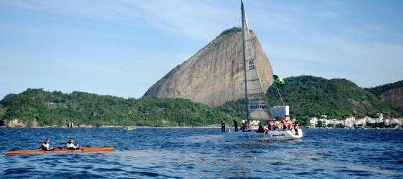 Atletas velejam na Baía da Guanabara. Foto: Arquivo/ABr